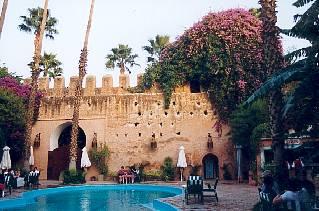 http://laurent.flaum.biz/PhotosMaroc/VoyageMarocTaroudantHotel.jpg